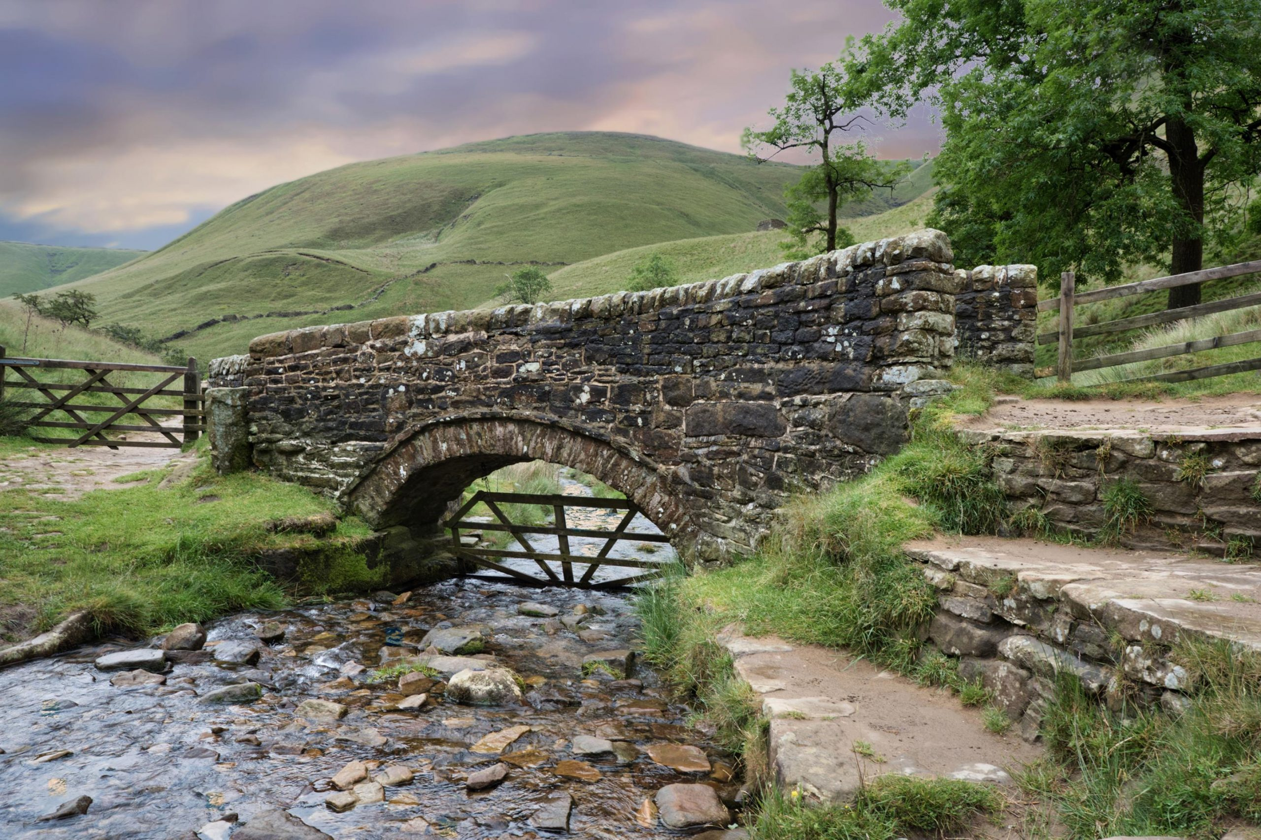 Visit Edale with Allied Taxis